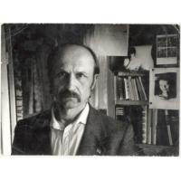 80 років тому (1940 р.) у с. Червоноярському Синельниківського району народився Іван Григорович Сокульський , поет-дисидент.